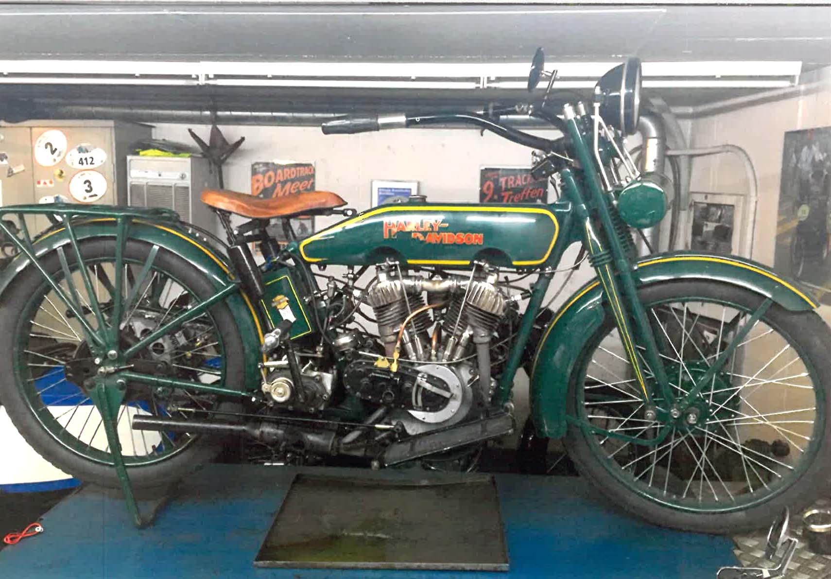 Harley Davidson J, 1922, Remy Fehr (CH)